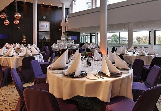 Courtyard by Marriott Stockholm : Conference Lobby Dinner Setup