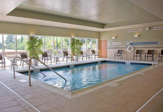 Fairfield Inn & Suites Montgomery EastChase: Indoor Salt Water Pool & Spa
