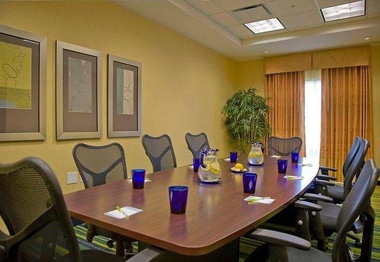 Fairfield Inn & Suites Montgomery EastChase: Peachtree Boardroom