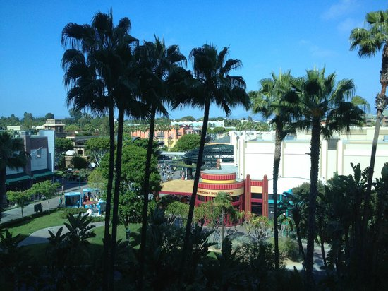 Disneyland Hotel: View of Downtown Disney