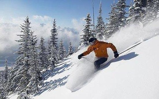 BEST WESTERN PLUS Revelstoke: Skiing In Revelstoke