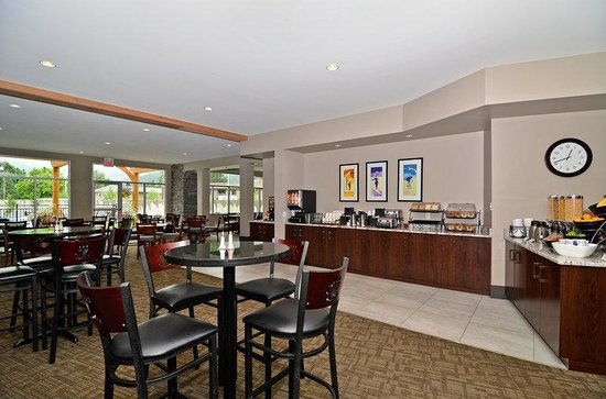 BEST WESTERN PLUS Revelstoke: Breakfast Area