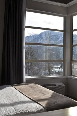 BEST WESTERN PLUS Revelstoke: King Suite
