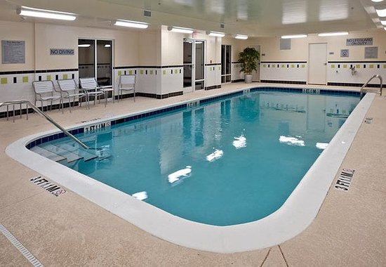 Fairfield Inn & Suites Tallahassee Central: Indoor Pool