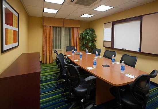 Fairfield Inn & Suites Tallahassee Central: Meeting Room