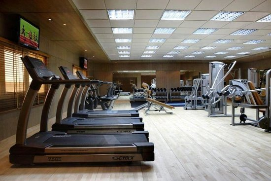 TIME Grand Plaza Hotel: Powerzone Gym