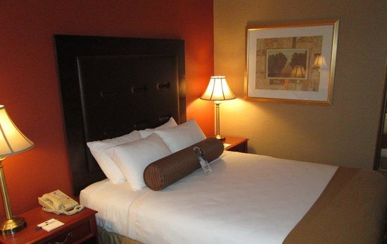 BEST WESTERN PLUS The Inn at Sharon/Foxboro: Queen Guest Room