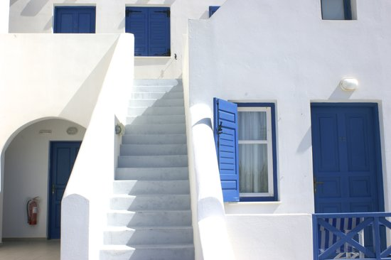 Monólithos, Grecia: stairs lead to sea view rooms