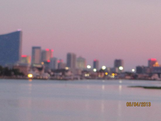 Brigantine, Νιού Τζέρσεϊ: View of Atlantic City from Deck, zoom