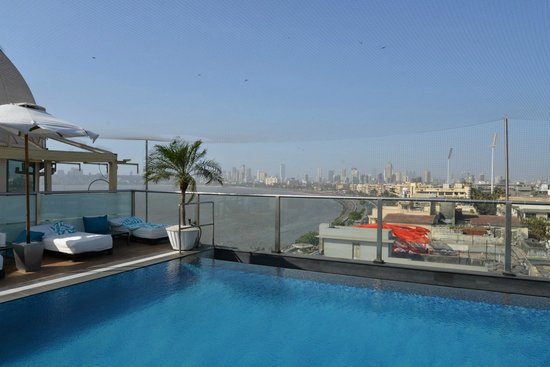 InterContinental Marine Drive: Pool