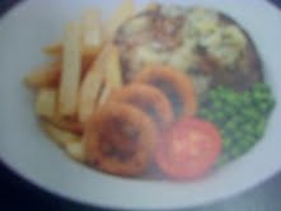 Paisley, UK: Wexford Steak with Onion Rings