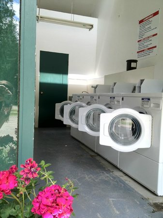 Crawford Bay, Canada: Laundry Area