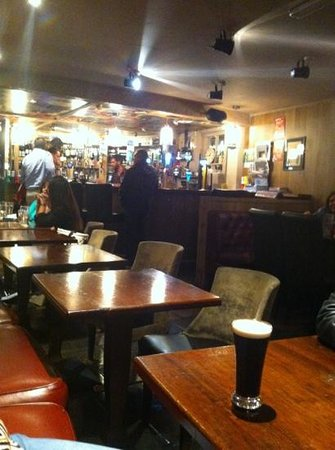 Bangor, UK: Nice and relaxing pub, worth a cost.