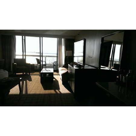 Doubletree by Hilton Grand Hotel Biscayne Bay: Junior suite.