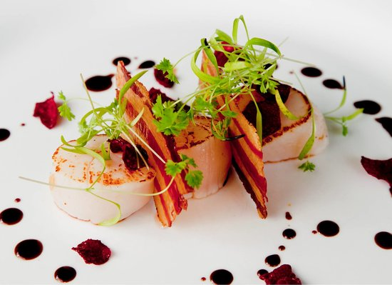 Bonville, Australie : Seared scallops with crispy pancetta