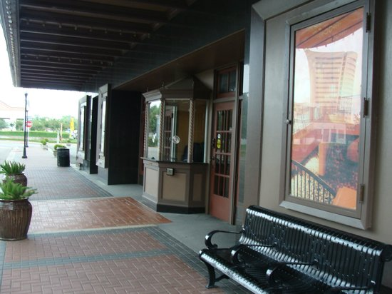 Beaumont, TX: Front entrance area of Jefferson Theatre