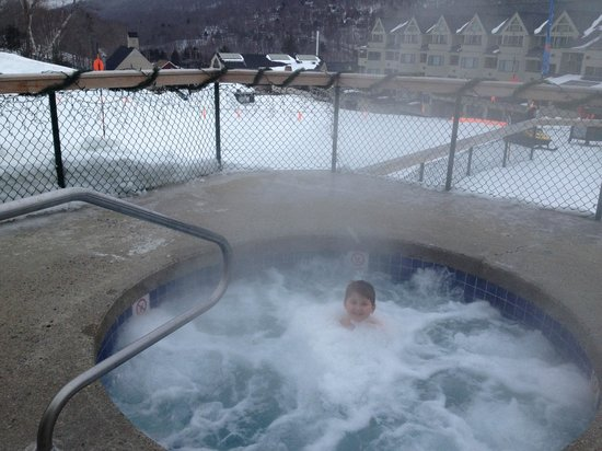 Mountain Club On Loon: Outdoor jacuzzi