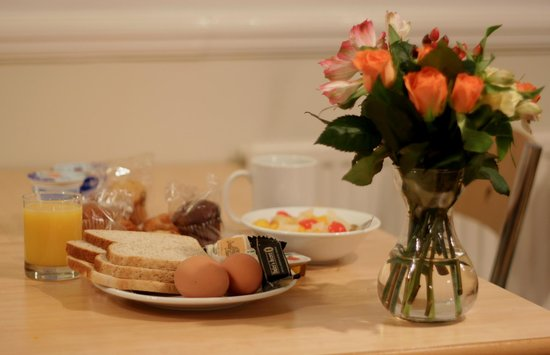 Central House Hotel - Victoria: Breakfast