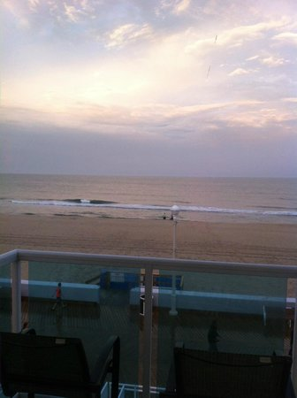 Courtyard by Marriott Ocean City: 3rd Floor Oceanfront King view