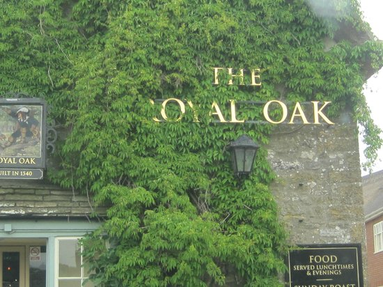 Cerne Abbas, UK: Local Pub
