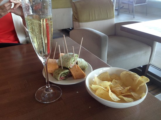 Hilton Diagonal Mar Barcelona: Executive lounge tilltugg
