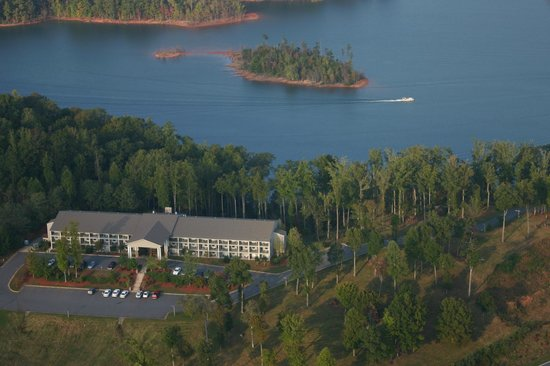Photo of Lake Chatuge Lodge Hiawassee