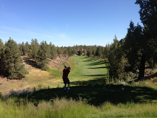 Redmond, OR: Resort Course #2 Par 5 - Jaramiah Jacobs