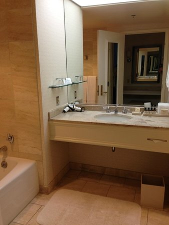 The Fairmont San Jose: Bathroom- very large!