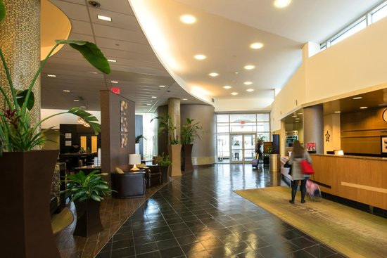 Hampton Inn & Suites Boston Crosstown Center: Experience the Hamptonality with us!
