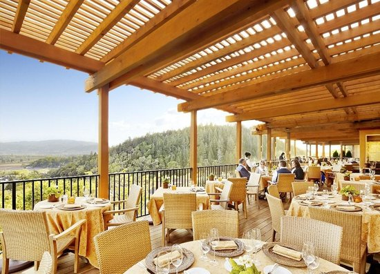 ‪‪Rutherford‬, كاليفورنيا: Outdoor Dining Terrace - Auberge Restaurant‬