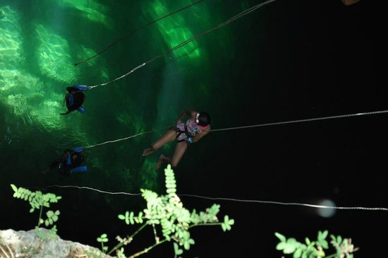 Grand Sirenis Riviera Maya Hotel & Spa: Repel down into Cenote
