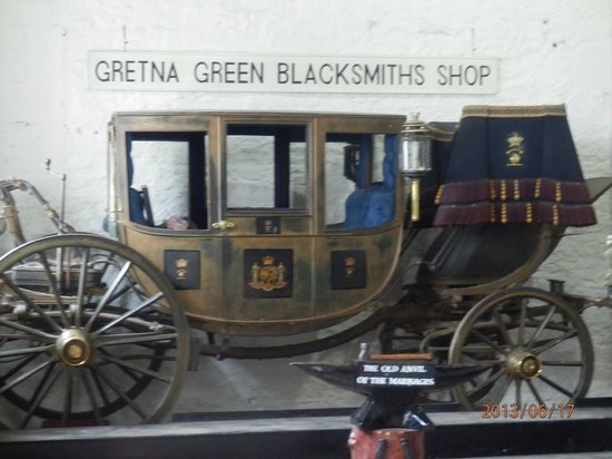Gretna Green, UK: Full sized coach, Blacksmith Shop