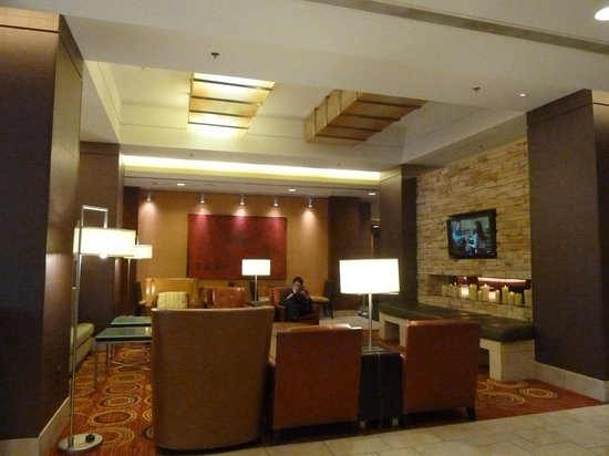 Key Bridge Marriott: lobby view