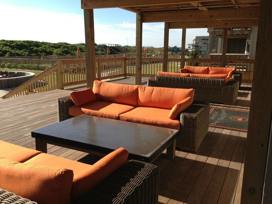 Sanderling Resort: Public back porch