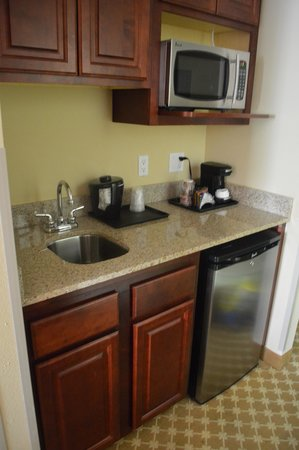 Country Inn & Suites Absecon: Kitchenette