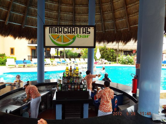 Catalonia Riviera Maya: Pool Bar