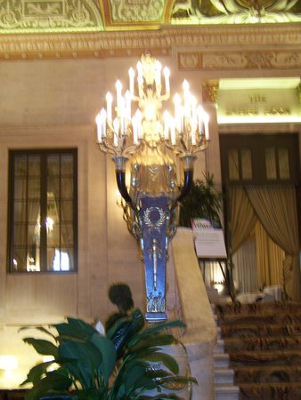 The Palmer House Hilton: IN THE LOBBY