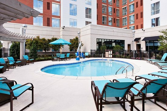Little Rock, AR: Outdoor Pool