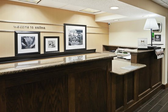 Salina, KS: Front Desk