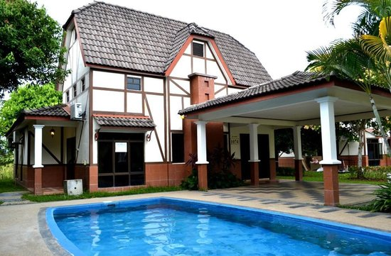 A'Famosa Resort Hotel Melaka: Villa with swimming pool