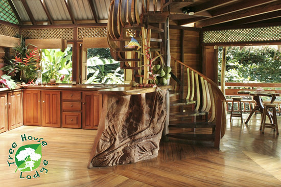 Tree house lodge costa rica limon lodge reviews for Build inn kitchen