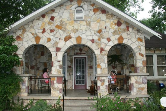Blanco, TX: River View Guest House