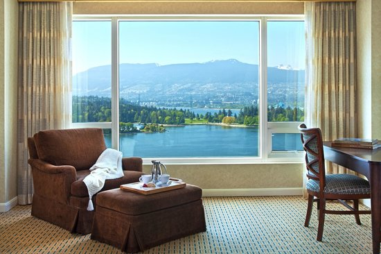 Fairmont Waterfront: Signature Harbour View