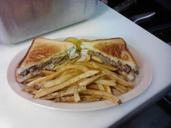 Gainesville, GA: Texas Patty Melt w/French Fries