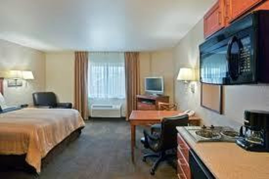 Bartlesville, OK: King Suite