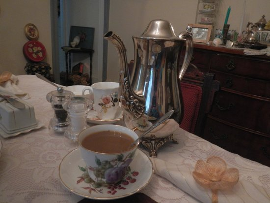 Utica, NY: Coffee at Breakfast- loved drinking coffee from the silver pot and teacup