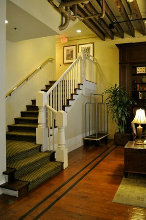 Country Inn & Suites New Orleans: Stairs