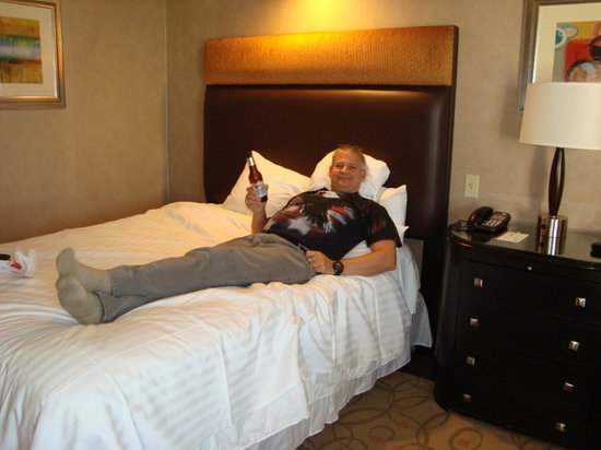 Treasure Island - TI Hotel & Casino: Relaxing in my room
