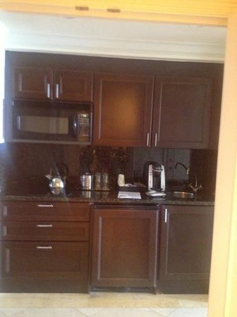 The Atlantic Resort & Spa : kitchenette with keurig, glassware, stove etc