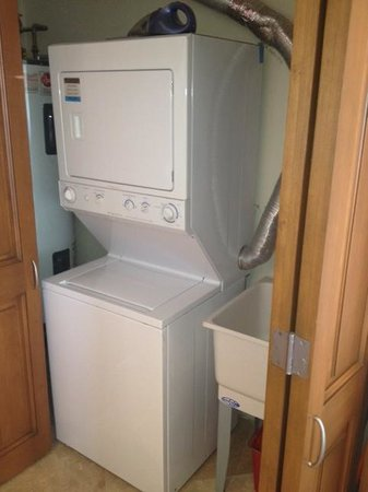 Alegranza: washer and dryer combo